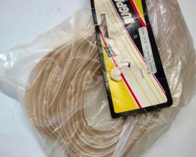Dee / bugpack white fender beading