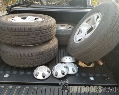 FS/FT Stock Toyota Tacoma Wheels and Tires