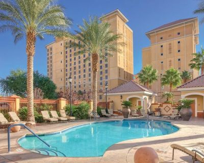 Relaxing Vacation in Wyndham Grand Desert 1 BR deluxe - Paradise