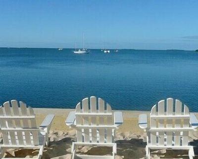Craig & Cindy Key West 3 Bedroom Waterfront Beachside Resort Condo - Key West