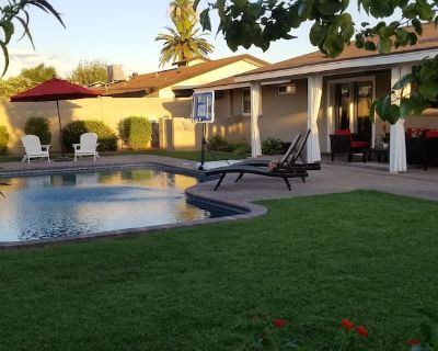 Family/Group Space - Has it ALL! - 2 Neighboring Houses, Pool, Hot Tub, She Shed - Scottsdale Country Acres