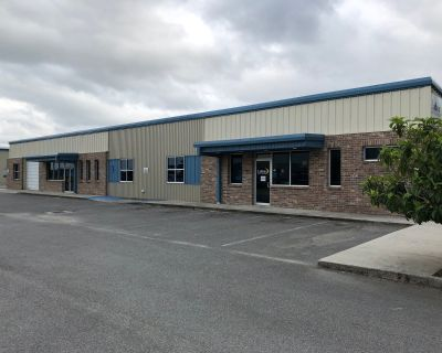 +/- 6,000 SF Fully Climatized Commercial Space for Lesase