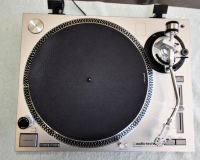 "Audio-Technica LP-120XUSB Professional Turntable"""