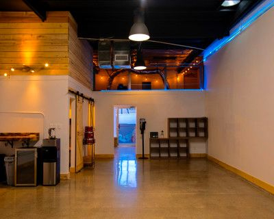 Creative Space Near Disney. Video & Photo Production Only. We have a projector and sound system, Anaheim, CA