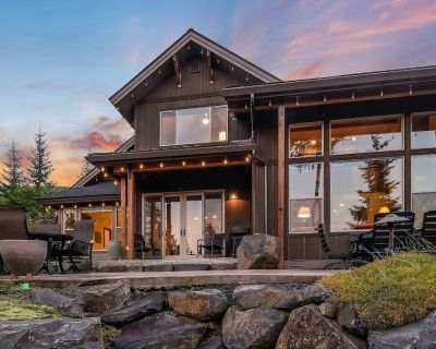Summer POOL ACCESS*Luxury View Home! Great Outdoor Patio w/ Gas Fire Table - Cle Elum