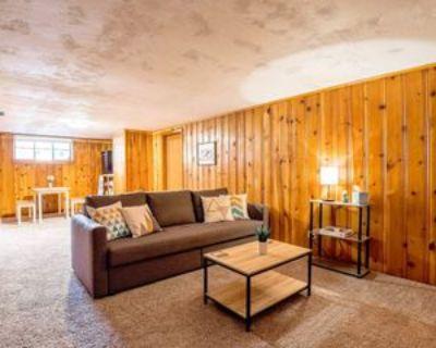 Elm St, Denver, CO 80220 2 Bedroom Apartment