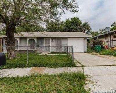 8507 Creek Bnd, San Antonio, TX 78242 3 Bedroom Apartment