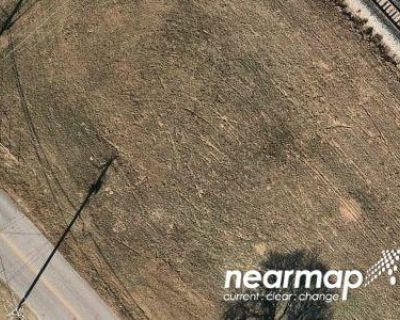 Preforeclosure Property in Elmendorf, TX 78112 - Creek Btm