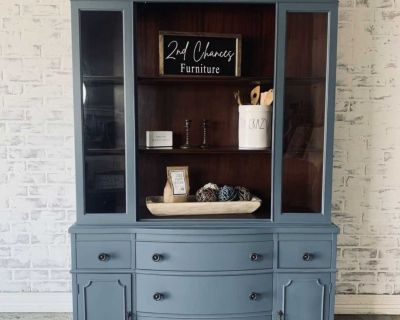 Bow front hutch