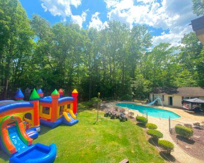 Pool, Moon Bounces & More, Hughesville, MD