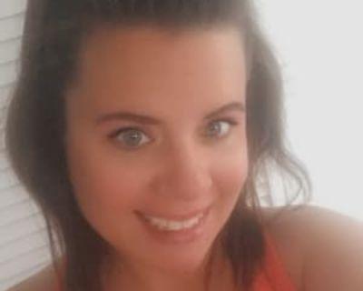 Stefanie, 36 years, Female - Looking in: Portsmouth VA