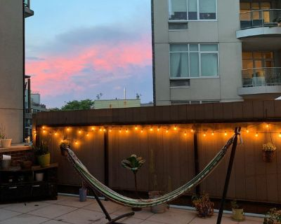 Roommate Wanted for Beautiful Wburg Apartment