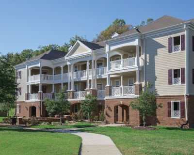 Family Friendly Countryside Resort Condos close to Colonial Williamsburg - York