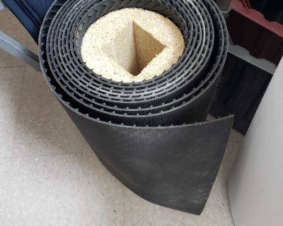 Rubber mat roll for outdoors