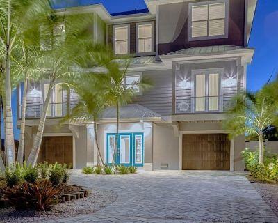 SUMMER WIND - UPSCALE BEACH HOME SLEEPS 14* - Fort Myers Beach