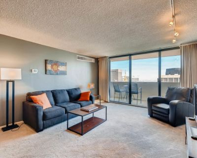 Furnished 35th Floor Condo In The Heart Of Downtown Denver - Downtown Denver