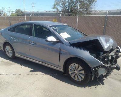 Salvage Silver 2016 Hyundai Sonata Hybrid