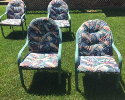 4 metal patio chairs with cushions