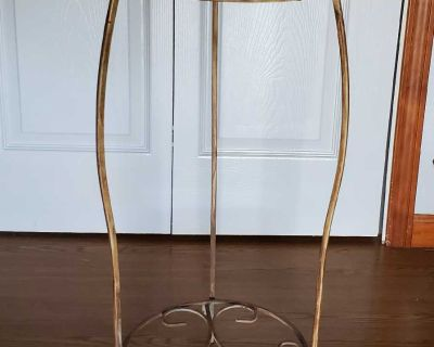 Table/plant stand