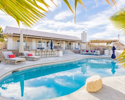 Experience Magical Joshua Tree In A Secluded Retreat w/ Pool, HotTub & Game Room - Indian Cove