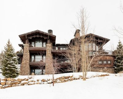 Splendid, Ski In/Ski Out Estate with glass elevator, home theater, sauna and hot tub - Midway