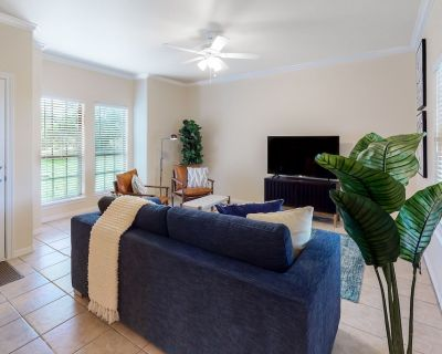 Family & Dog-Friendly Home w/Free WiFi, Covered Patio, Gas Grill, & Central A/C - Horseshoe Bay