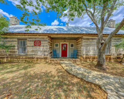 Dog-friendly cottage with on-site tasting rooms, in the heart of wine country! - Fredericksburg