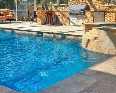 Commercial Pool Builder Service in Bonita Springs | Contemporary Pools