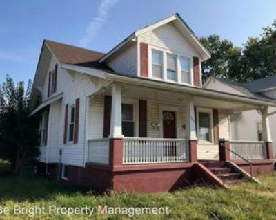 1022 Independence St, Cape Girardeau, MO 63703 5 Bedroom House