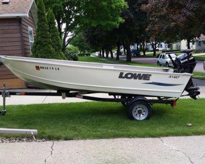 2012 Lowe 1467 Angler Fishing Boat