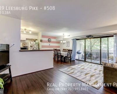 Beautiful Two Bedroom Condo- All Utilities Included!