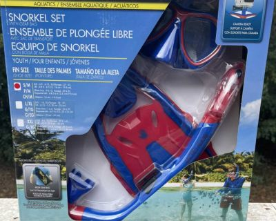 Body glove snorkel set with gear bag shoe size youth Jr. 9-Jr13. Brand new in the package