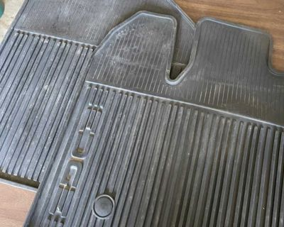 Ford Edge front seat rubber mats