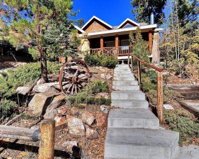 Beautiful Slope Side Bear Mountain Lodge. Spa and Pool Table! - Moonridge