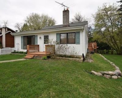 Cozy and Private Home Located within Minutes of Downtown and the Water - Lake Geneva