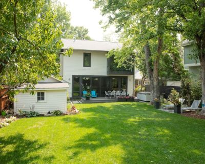 DOWNTOWN BOULDER: Modern Family Home with large, private yard, hot tub. - Whittier