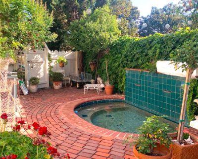 Beautiful Event Space w/ Large Backyard & Cottage, South Pasadena, CA
