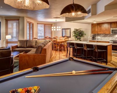 Ski-In/Out 3BR, Hot Tub, Pool Table, Main Street + Amazon Echo - Downtown Park City