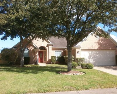 2010 Winding Springs Drive, League City, TX 77573