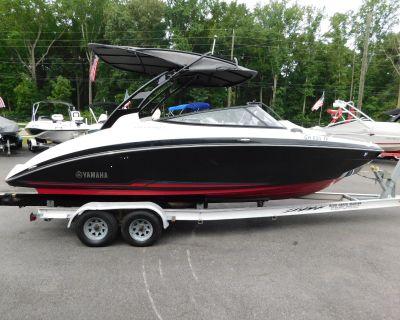 2017 Yamaha Boats 242 S LTD