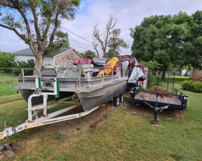 1991 lowe pontoon boat