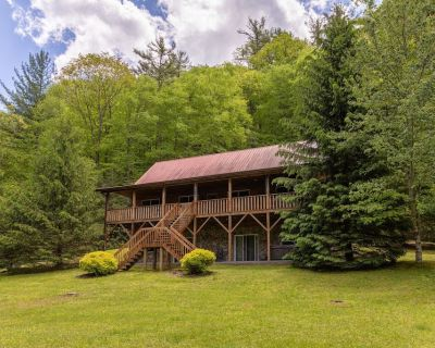 Hidden Serenity- Privacy, Hot Tub, Fire Pit, 15 minutes from Boone - Fleetwood
