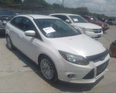 Salvage White 2013 Ford Focus