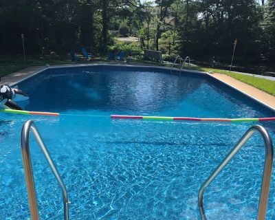 Summer House pool/lake/large backyard/fire pit/trampoline - North Central