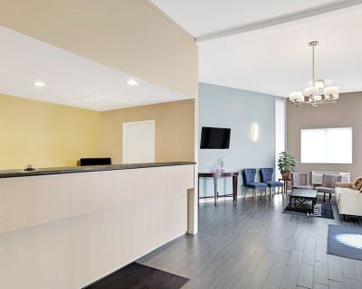 Torrance Inn and Suites - Southwood Riviera