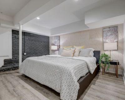 Studio9Forty Exposed Brick w King bed, sleeps 3 - Midtown