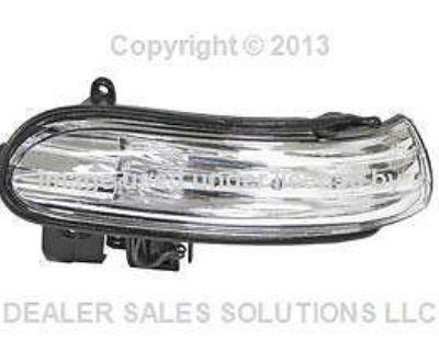 New Genuine Mercedes R171 W230 Right Door Mirror Turn Signal Light Oem
