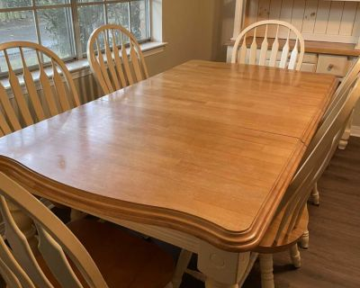 Dining Table w/6 chairs and hutch