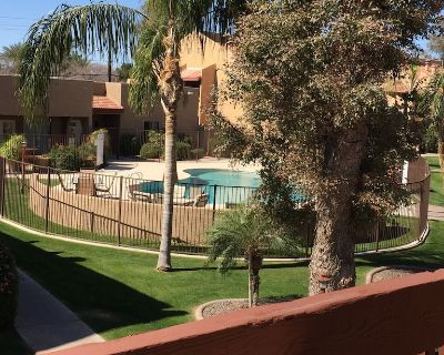 Comfy, cozy 1 BDR/1BR Condo- community outdoor heated pool, hot tub and gym. - North Mountain