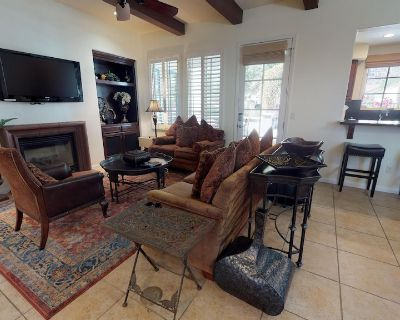A Secluded Two-Story Legacy Villas Townhome Tucked Up Against The Mountains! - La Quinta